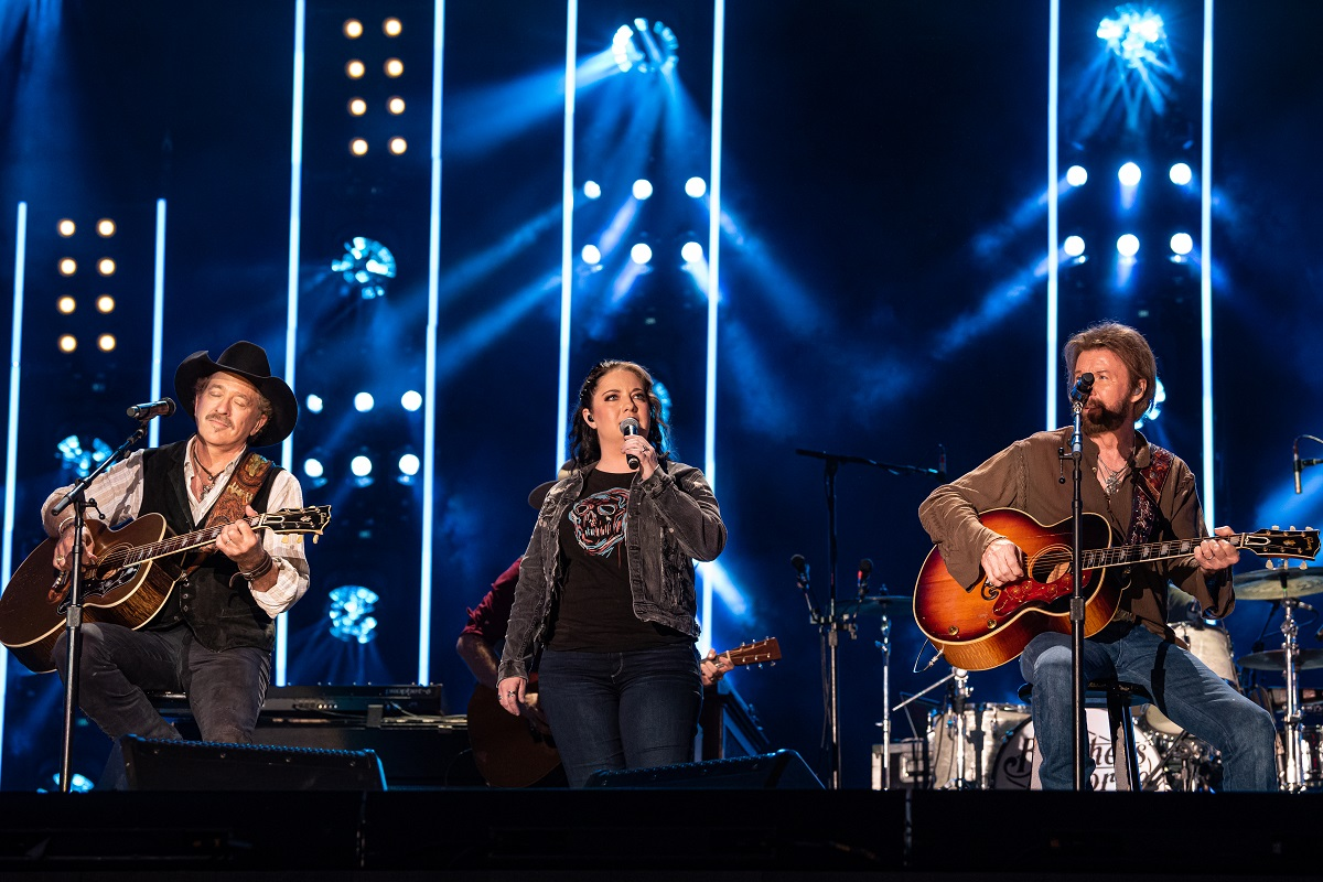 Ashley McBryde with Brooks & Dunn; Photo by Andrew Wendowski