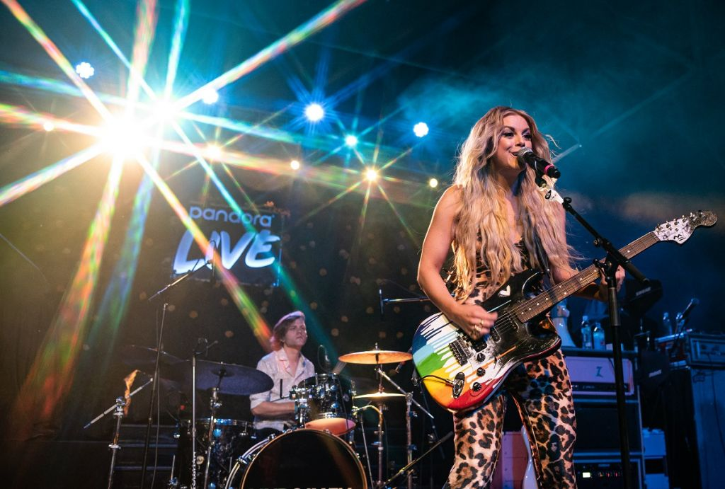 Lindsay Ell; Photo by Andrew Wendowski