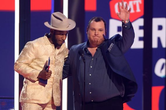 Leon Bridges and Luke Combs; Photo by Michael Loccisano/Getty Images