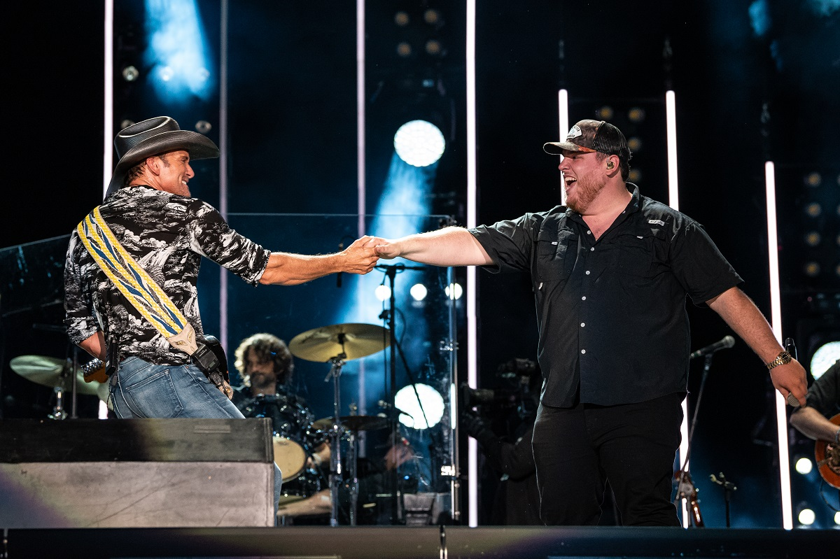 Tim McGraw with Luke Combs; Photo by Andrew Wendowski