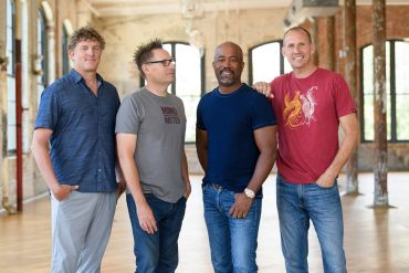 Hootie & the Blowfish; Photo by Todd & Chris Owyoung