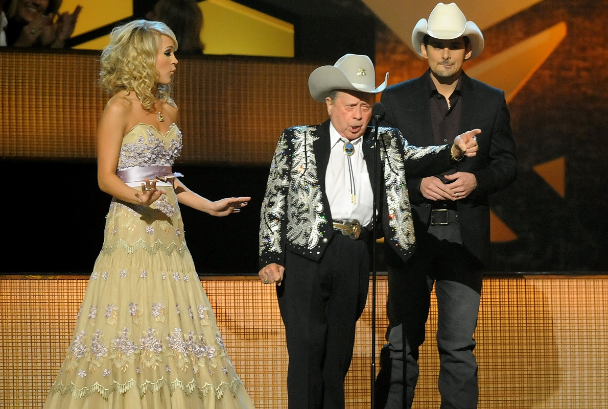 Brad Paisley, Little Jimmy Dickens and Carrie Underwood; Photo by Rick Diamond/Getty Images