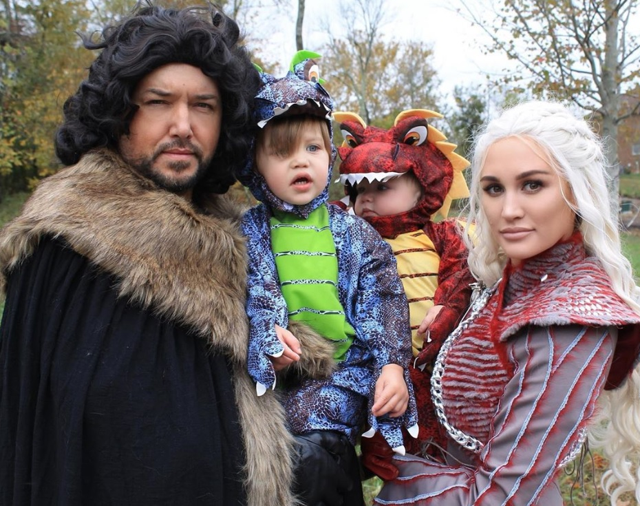 Jason Aldean and Family; Photo via Instagram