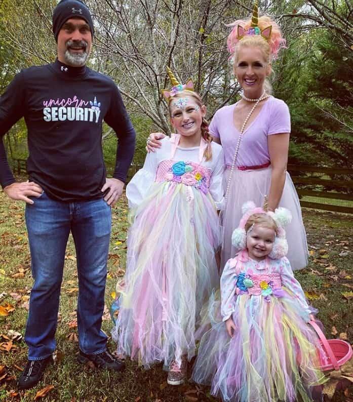 Kimberly Schlapman and Family; Photo via Instagram