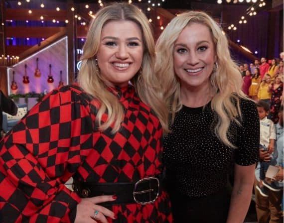 Kelly Clarkson and Kellie Pickler; Photo via Instagram