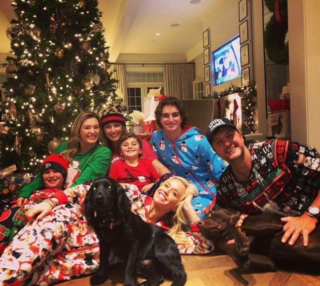 Luke Bryan and Family; Photo via Instagram