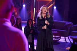 Kelly Clarkson; Photo by: Adam Christopher/NBCUniversal