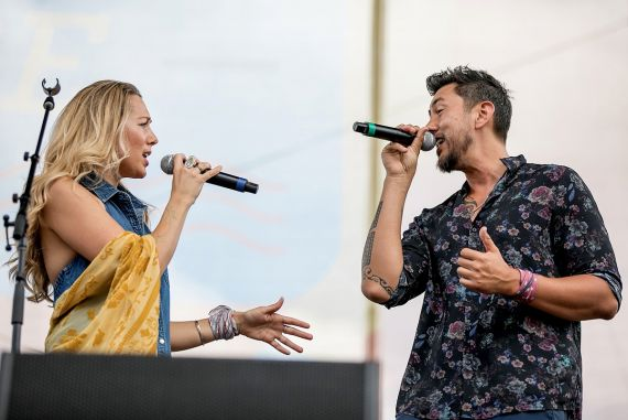 Colbie Caillat and Justin Kawika Young; Photo by Danielle Del Valle/Getty Images