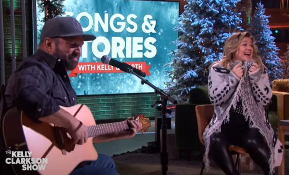 Garth Brooks, Kelly Clarkson