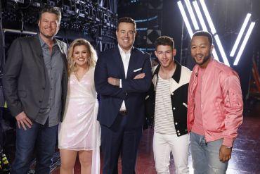 Blake Shelton, Kelly Clarkson, Carson Daly, Nick Jonas, John Legend; Photo by: Trae Patton/NBC
