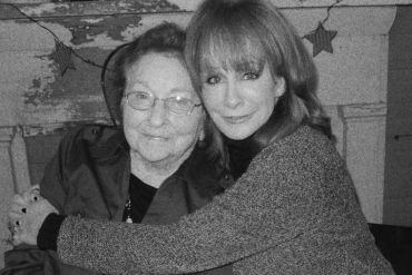Reba McEntire And Her Mom Jacqueline; Photo Courtesy of YouTube