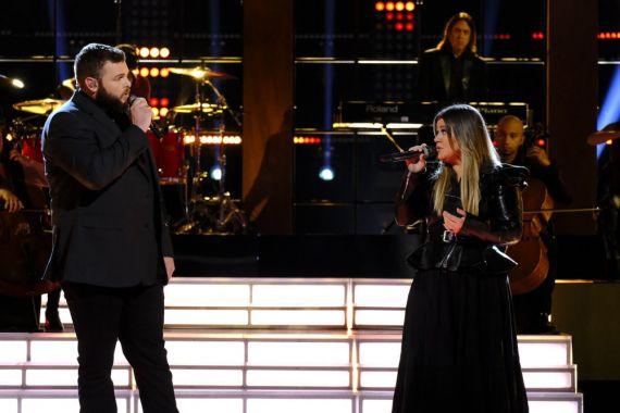 Jake Hoot, Kelly Clarkson; Photo by Trae Patton