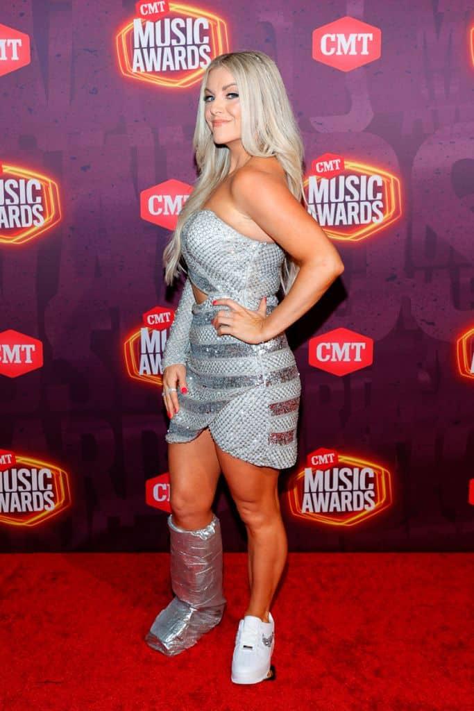 Lindsay Ell; Getty Images for CMT