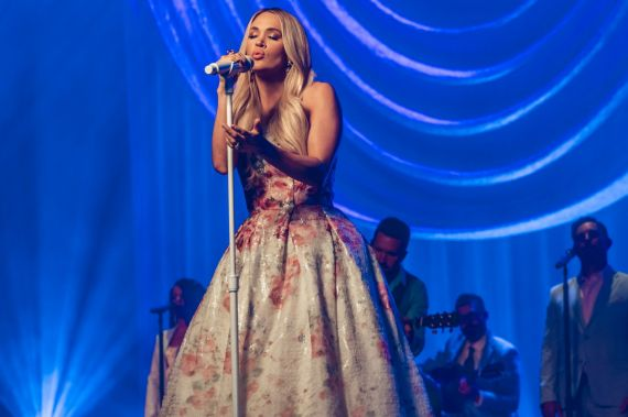 Carrie Underwood; Photo by Cameron Premo