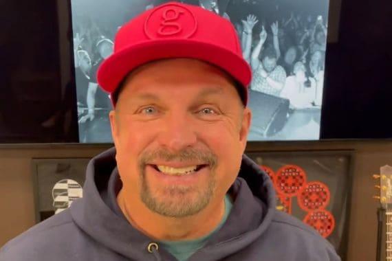 Garth Brooks; Inside Studio G